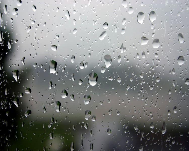 Deszcz dzwoni jesienny