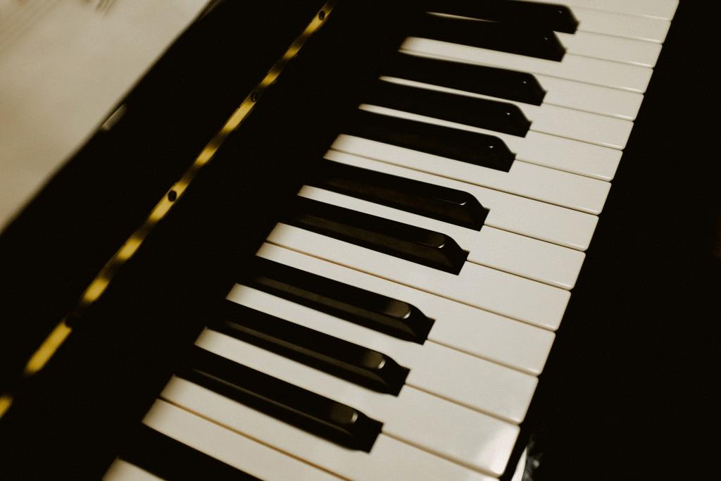 Pchełki SQL: Ile jest różnych skal muzycznych?